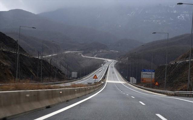 Θεσπρωτία: Εγνατία Οδός - Ακινητοποίησε Το Όχημά Του Στη ΛΕΑ ..Παρασύρθηκε Από Νταλίκα Και Σκοτώθηκε