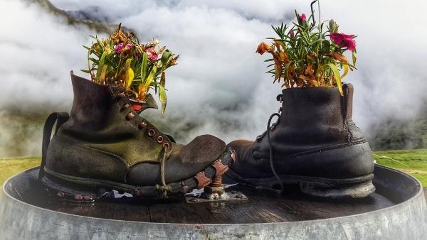 idee-fai da te-scarponi-fiori
