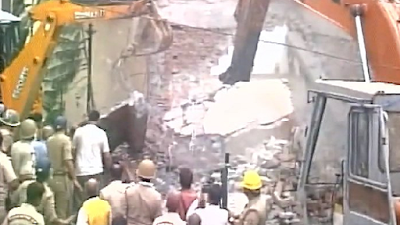 Four killed in Meerut building collapse during demolition