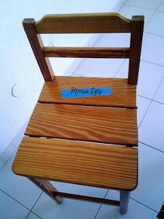 verniciare una sedia  di legno