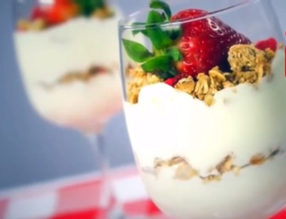 Mousse De Yogur Con Granola