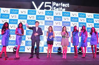 Actress Surabhi & Pooja Sree Launches Vivo Global's V5 Smartphone  0053