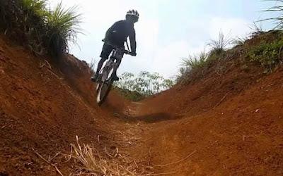 Jalur-Trek-Sepeda-Paling-Keren-di-Kota-Bandung-5