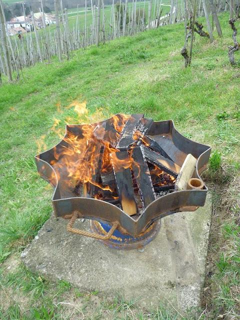 Feuerstelle Feuerplatz mit Grill Möglichkeit