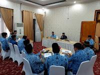 Cek Endra Pimpin Rapat Staff Bahas Displin Pegawai dan Darurat Karhutla