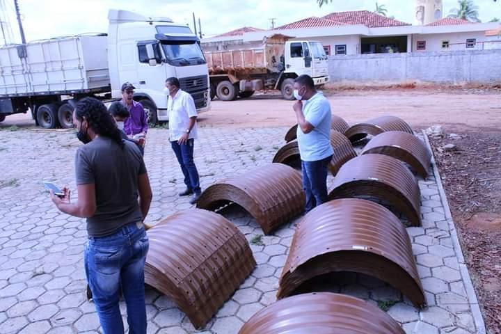 Prefeitura de Ministro Andreazza recebe remeça de tubos armcos
