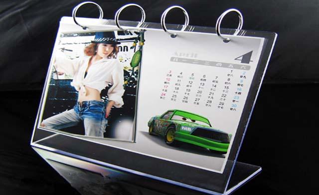 bahan akrilik kalender