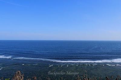 Pantai Gunung Payung membentang samudera -Backpacker Manyar