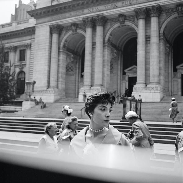 Vivian Maier Bibliothèque publique de New York vers 1954