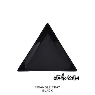 TRIANGLE TRAY - BLACK