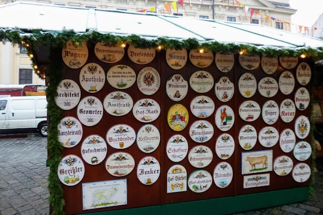 Vienna in winter: stall at the Christmas Market in Freyung