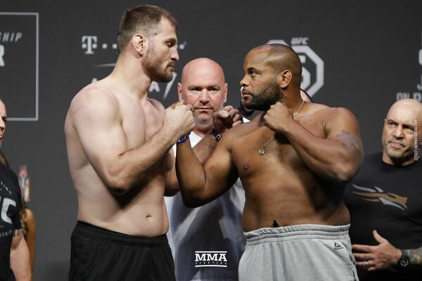مشاهدة نزالات يو اف سي 252 UFC بث مباشر اليوم