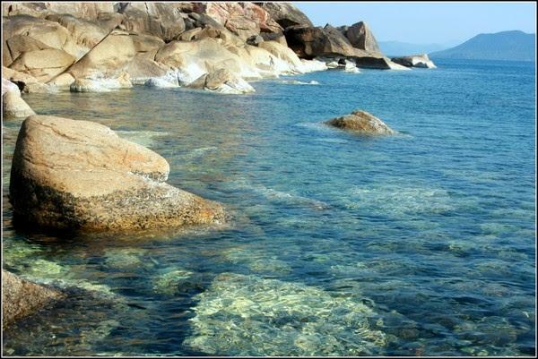Lùi vào vùng đất ở phía nam miền Trung, chính là bãi biển Phú Yên đẹp tựa xứ sở thần tiên.