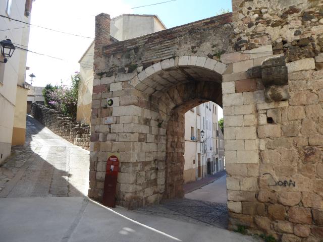 Portal de la muralla de Falset
