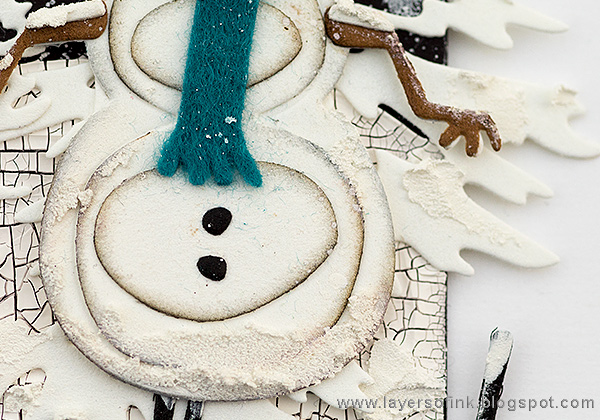 Layers of ink - Snowy Winter Tag Tutorial by Anna-Karin with Tim Holtz Sizzix Snowman Scene