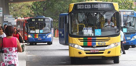 Frota de ônibus é reforçada no Grande Recife para provas do Enem no domingo
