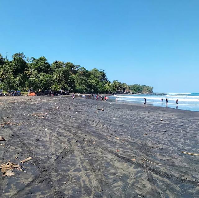 pantai-yang-dekat-dengan-apantai-rancabuaya-garut
