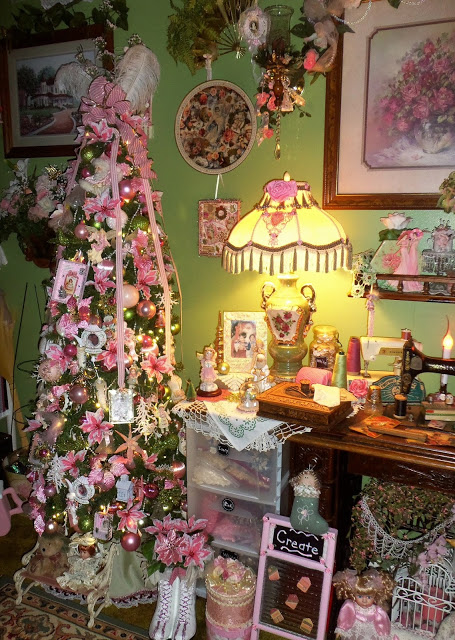 Christmas in my Craft Room, Part 1, Christmas Home Tour, 2017