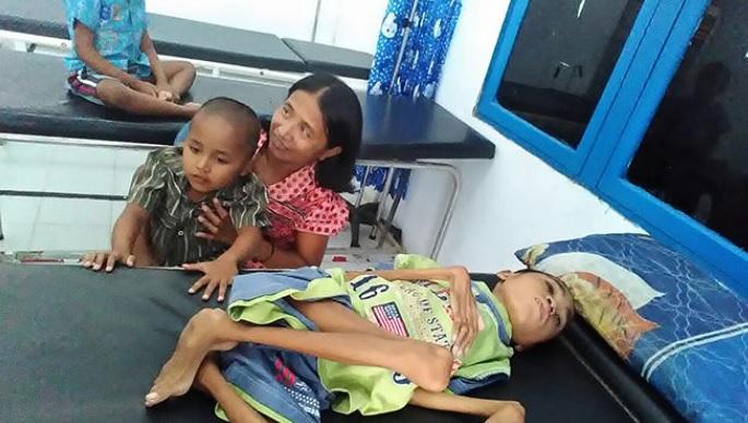 Wahana Visi Indonesia Bantu 3 Saudara Penderita Lumpuh Layu di Nanga Taman