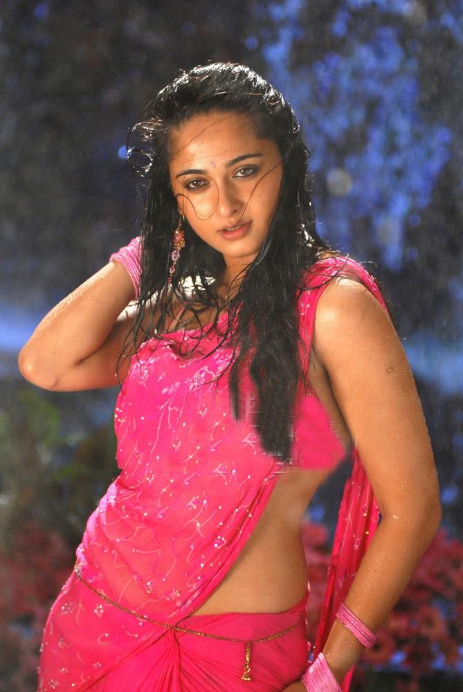 wet saree nude in Anushka shetty