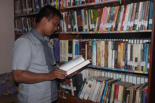 Rumah Bagi Para Penikmat Buku (2)