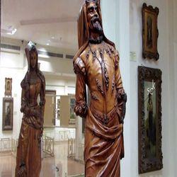 Двойна скулптура от дърво