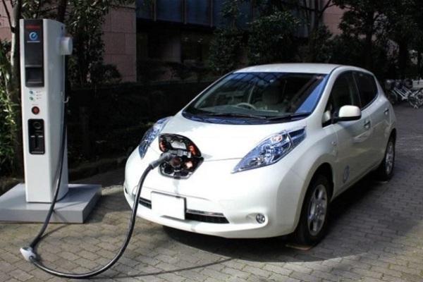Perbedaan Mobil Listrik dan Mobil Hybrid