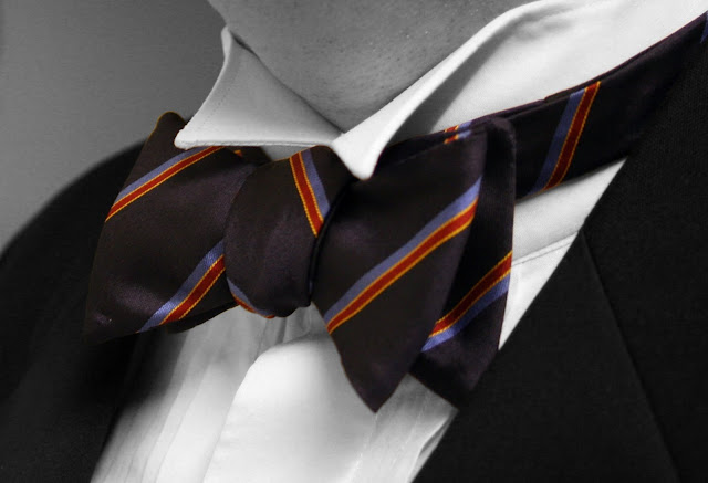 How to Tie a Bowtie - RictasBlog