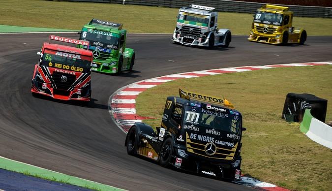 Copa Truck: Valdeno Brito domina e vence as duas provas da etapa de Cascavel