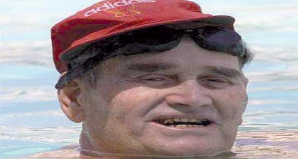 وفاة السبَّاح العالمي عبد اللطيف أبوهيف