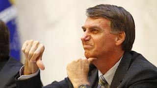 Denunciado ao STF, Bolsonaro passa mal e dá entrada em hospital