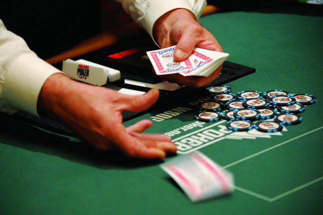 real dealer at online Casino