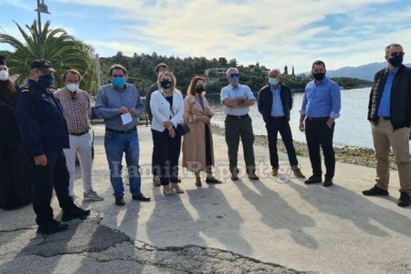 Παραδόθηκε η επέκταση του λιμανιού της Γλύφας ενώ υπεγράφη η σύμβαση για την ολοκλήρωση της συνδετήριας οδού.