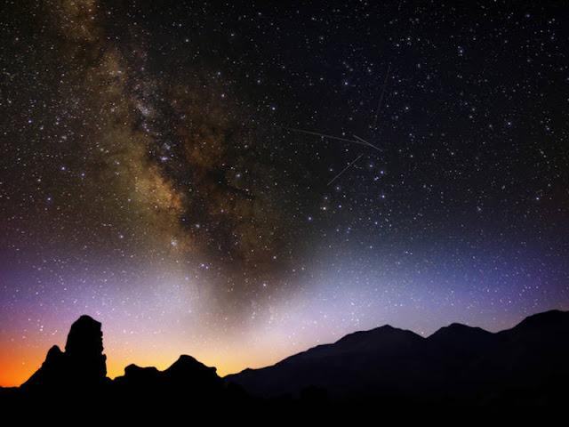 Lyrid là một cơn mưa sao băng trung bình với tần suất khoảng 20 sao băng mỗi giờ, sẽ vào thời gian quan sát tốt nhất vào rạng sáng 22 và 23 tháng 4. Hình ảnh: lovemushroom/Shutterstock.