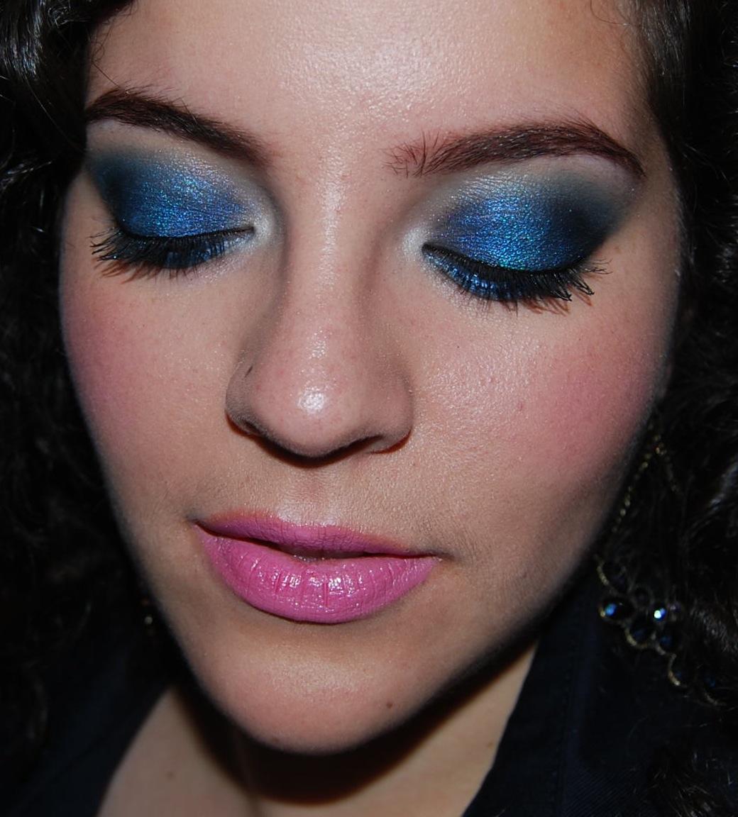 Makeup As Expression ♡: Smokey Blue + Pink Lips