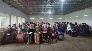 UMKM bersama para pegiat UMKM di Desa Penujak L. Ahyar menawarkan program reses nya kemarin