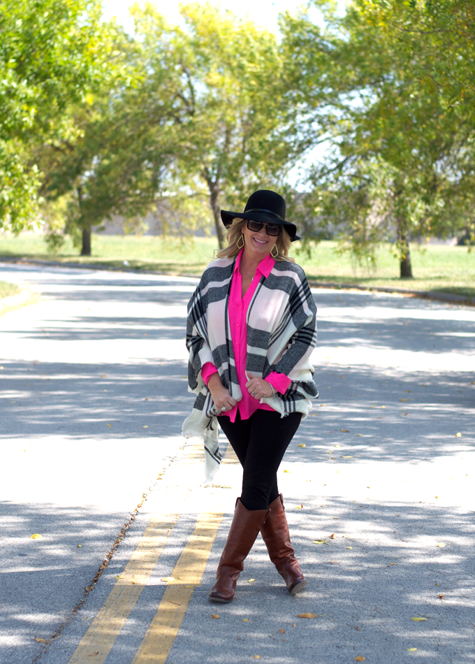 Black_poncho_withh_Pink_fall_Outfit