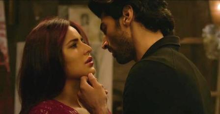 Yeh Fitoor Mera Song Lyrics - Fitoor (2016) | Aditya Roy Kapur, Katrina Kaif and Tabu