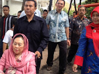 Ibu Sinta Wahid Kisahkan Guyonan Gus Dur dan Sabam Sirait soal Lomba Masuk Surga
