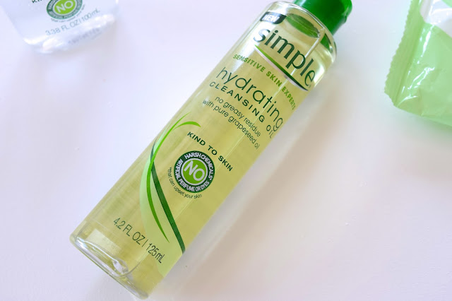 a picture of Simple Skincare Hydrating Cleansing Oil
