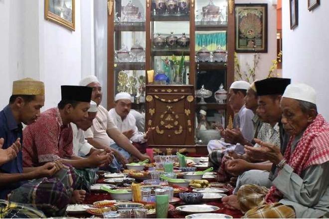 Mabbaca-baca Tradisi Unik Suku Bugis Menyambut Idul Adha