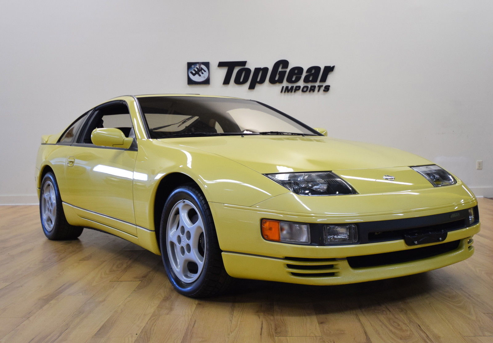 this 1990 nissan 300zx turbo has a manual and less than 16 000 miles carscoops. Black Bedroom Furniture Sets. Home Design Ideas