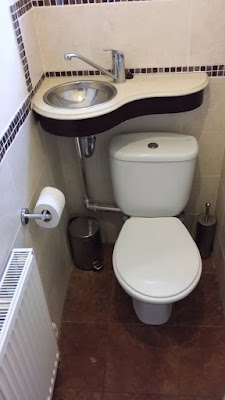 Como reutilizar a água da pia na descarga do banheiro