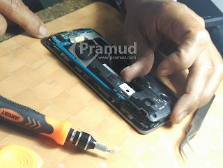 cara melepas bodi tulangan hp LG G3 - pramud blog