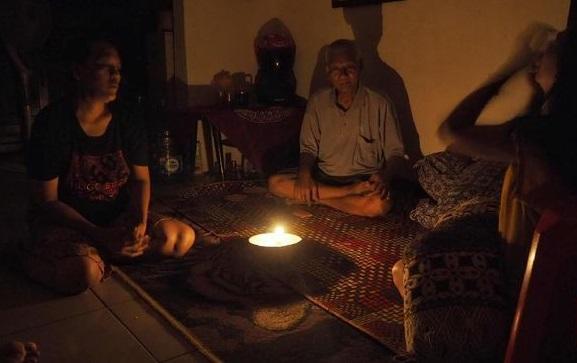 Realita 75 Tahun Kemerdekaan Indonesia, Desa Perbatasan Maluku Masih Gelap Gulita