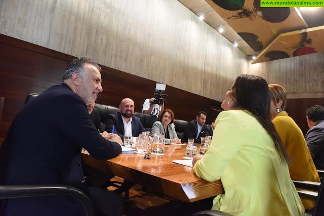 El presidente de Canarias pide unidad de acción en las Islas y el Estado para afrontar con las máximas garantías la crisis ocasionada por Thomas Cook
