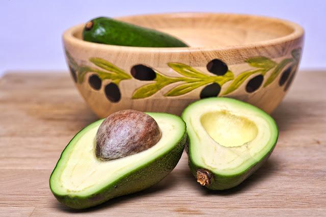 Ce vitamine contine avocado? Valori nutritionale si calorii