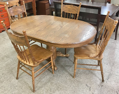 Swell Uhuru Furniture Collectibles Oak Dining Table 4 Chairs Creativecarmelina Interior Chair Design Creativecarmelinacom