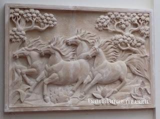 relief kuda 3 dimensi
