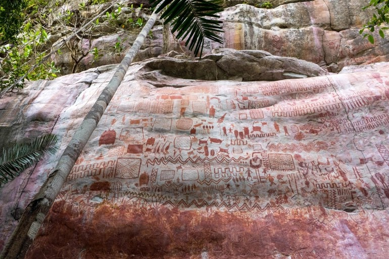 Discovery of  Inscriptions on Northern edge of the Amazon River depicts giant Ice Age creatures